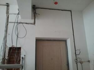 провода в штробе